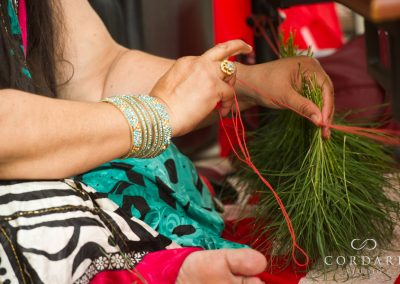 Making a grass necklace